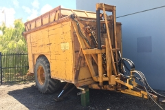 Front right tiping trailer 2