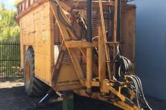 Front right tipping trailer